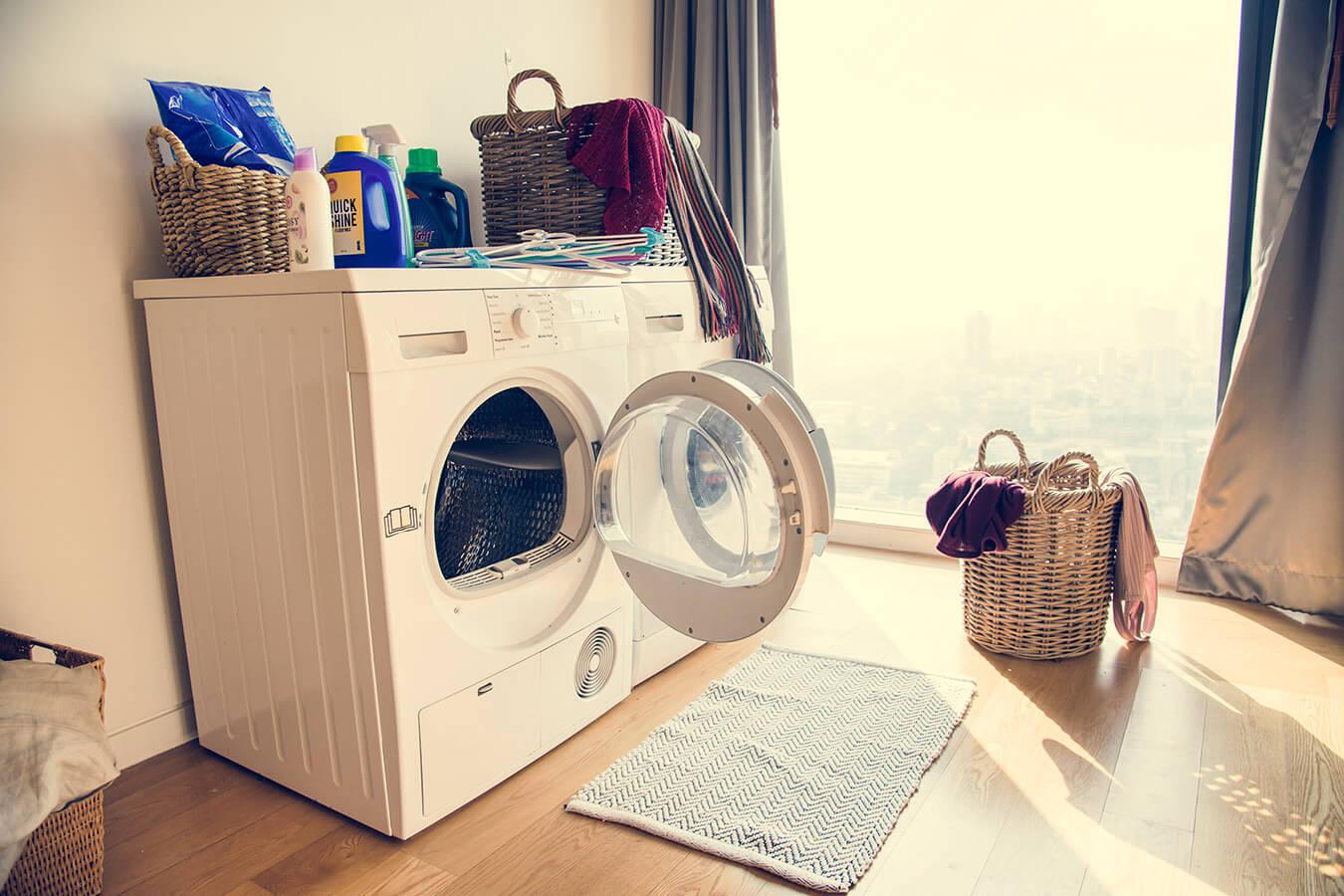 Brzydki zapach z pralki – Dlaczego śmierdzi z pralki? Jak usunąć nieprzyjemny zapach z pralki?