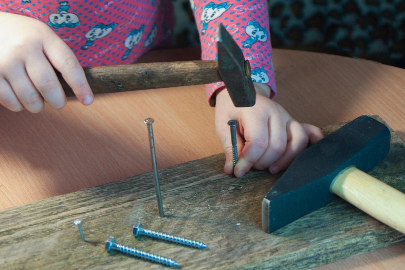 Pękające lub schodzące paznokcie u dziecka [przyczyny, leczenie]