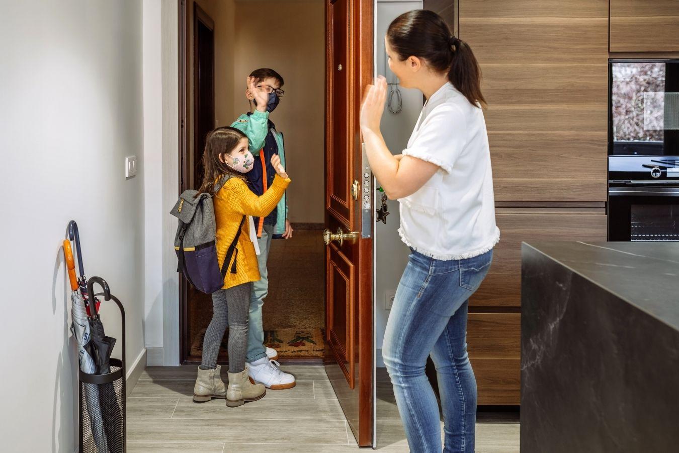 """Czarnek: """"Chcę powrotu do szkół jeszcze w kwietniu"""". Rodzice: To może być zagrożenie dla życia!"""