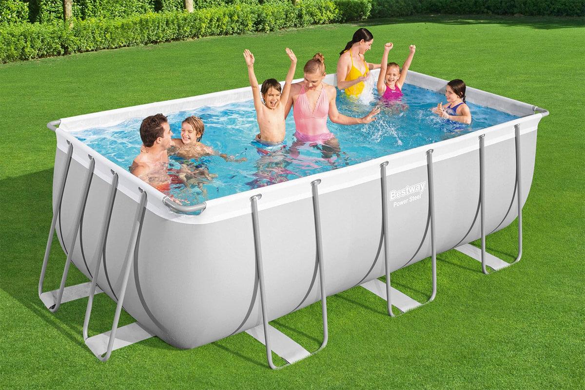 Bezpieczna kąpiel – jaki basen stelażowy dla dzieci?