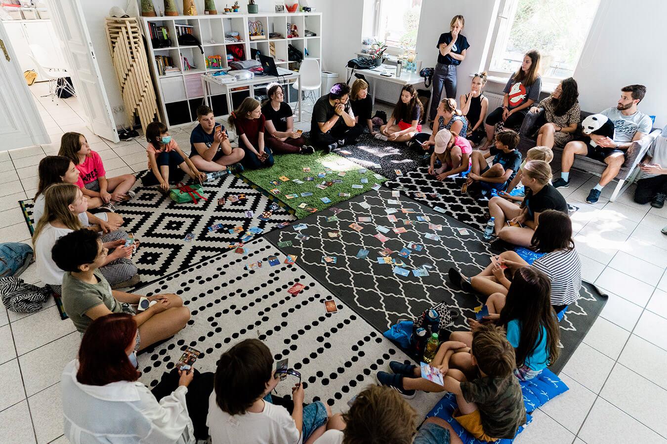 Artystyczne warsztaty Brave Kids. Zobacz, nad czym pracują uczestnicy