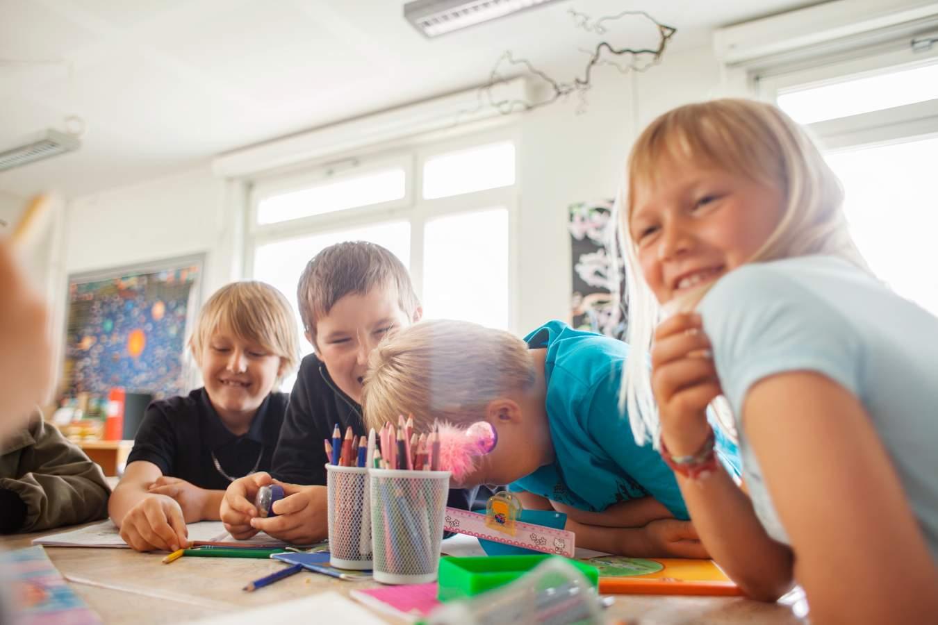 Co zrobić w klasie na Dzień Chłopaka? Najciekawsze propozycje zabaw