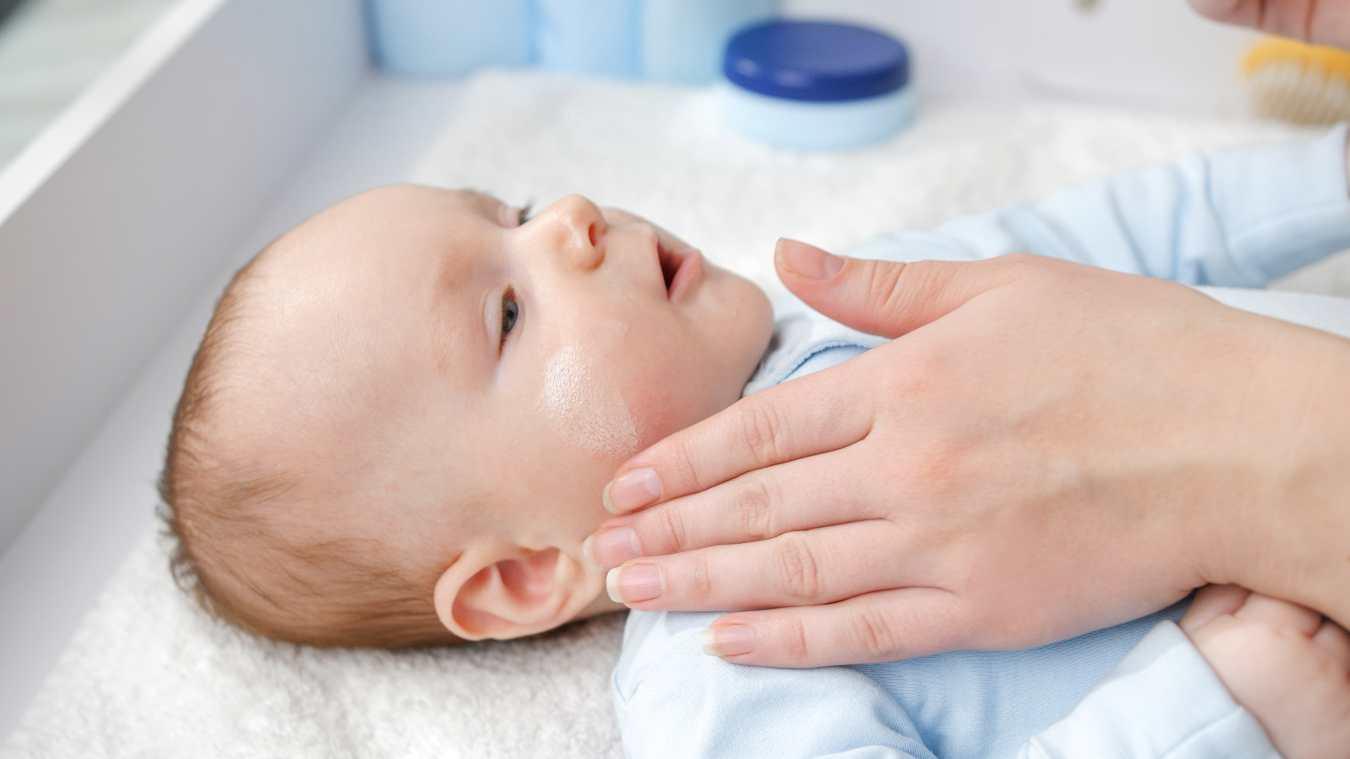 Wysypka na stopach u dziecka. Jakie mogą być jej przyczyny?